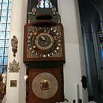 Zabytkowy zegar w Kościele Mariackim