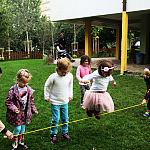 Przedszkole - w ogrodzie