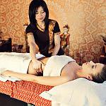 Tajski masaż olejkiem aromatycznym