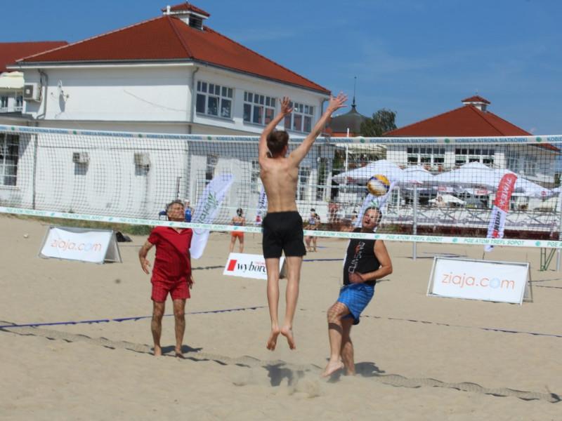 Ruszyły siatkarskie zmagania na plażach