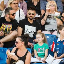 Na trybunach piłkarze Gdańskiej Lechii - Jakub Wawrzyniak, Grzegorz Kuświk i Sławomir Peszko