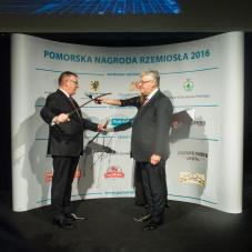 Zbigniew Stencla odznaczony szablą im. Jana Kilińskiego