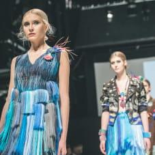 Kolekcja Freedom: moda: Patryk Wojciechowski,  biżuteria: Sława Tchórzewska
