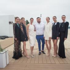 Liza Taste i Tomasz Olejniczak z modelkami