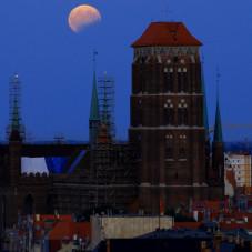 Zaćmienie księżyca nad Gdańskiem