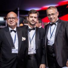 Alain Mompert ( z prawej strony)