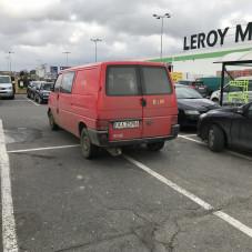 Parkowanie na Karczemkach - 4 miejsca zajęte