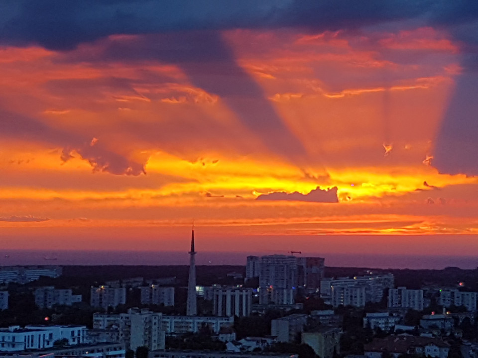 Wschody słońca widziane z OBC