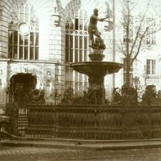 Fontanna Neptuna i Dwór Artusa.