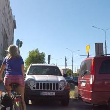 Bucek w jeepie zastawił przejazd rowerowy