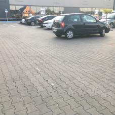 Duże auto potrzebuje dużo miejsca