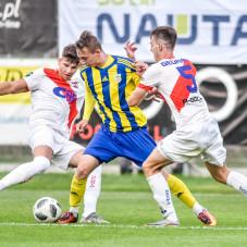 Rezerwy Arki Gdynia do przerwy remisowały z Gedanią, ale po zmianie stron zdobyły cztery gole.