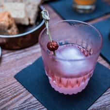 DZIECICTWO PERU Pisco Torontel / ziołowy rum Pimento Dram / żurawina