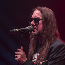 Adam Wolski, wokalista zespołu Golden Life.