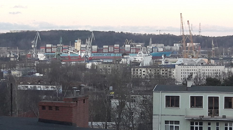 Największy kontenerowiec w Gdyni