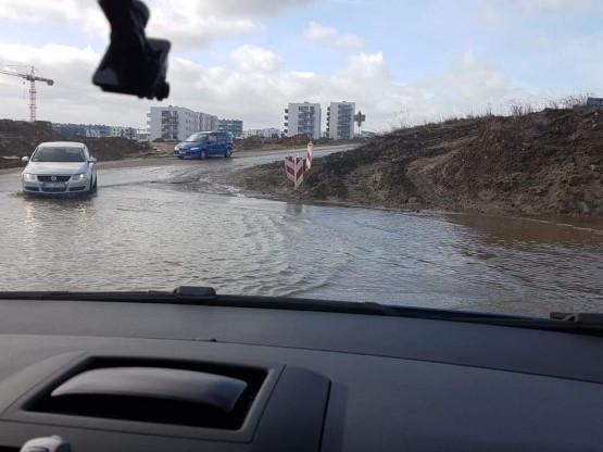 Woda na ulicy Warszawskiej w Gdańsku