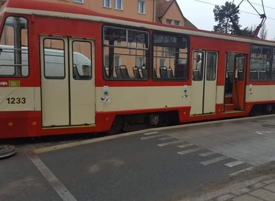 Od tramwaju odpadło koło