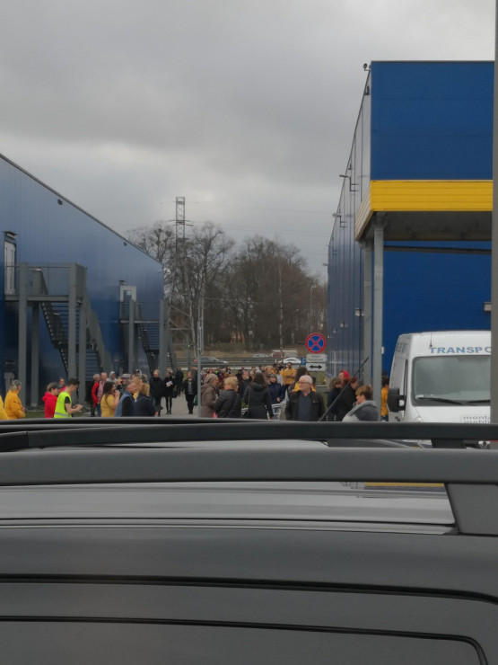 Ewakuacja sklepu IKEA