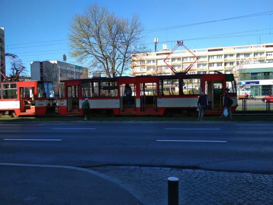 Awaria tramwaju przy Klonowej w stronę centrum