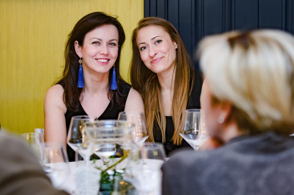 Beata Komorek (po lewej stronie)