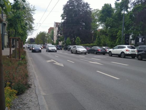 Duży korek na Niepodległości w Sopocie w stronę Gdańska