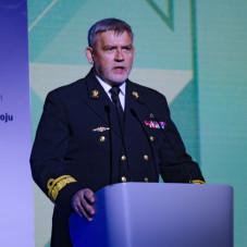 Rektor Komendant Akademii Marynarki Wojennej kontradmirał prof. dr hab. Tomasz Szubrycht