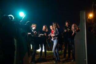 Nocne kino w blasku pochodni  na Szańcu Jezuickim