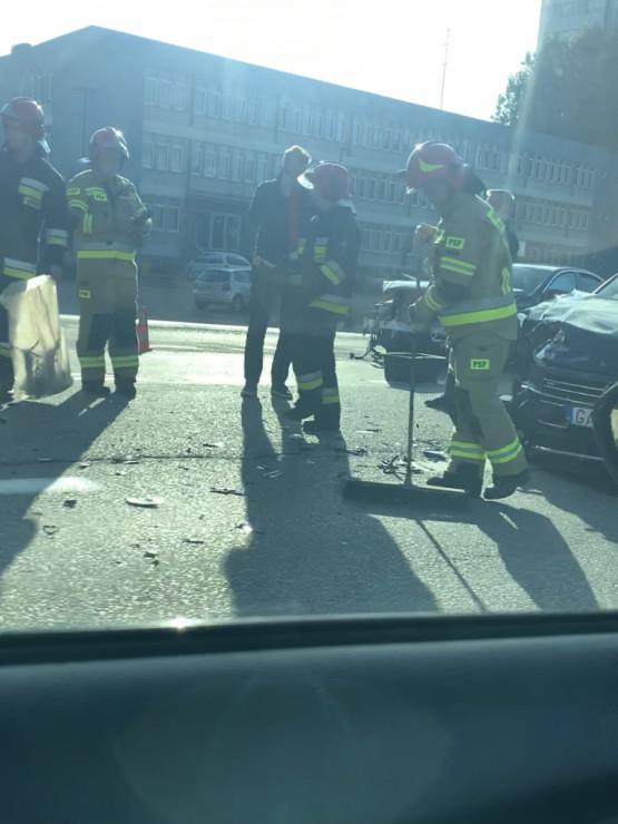Skutki wypadku na ul. Hutniczej