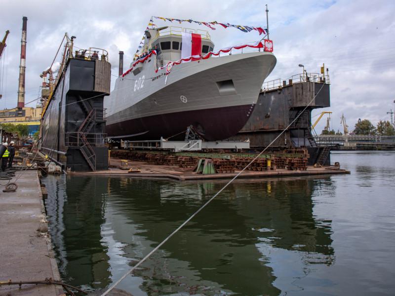 Niszczyciel min Albatros już na wodzie