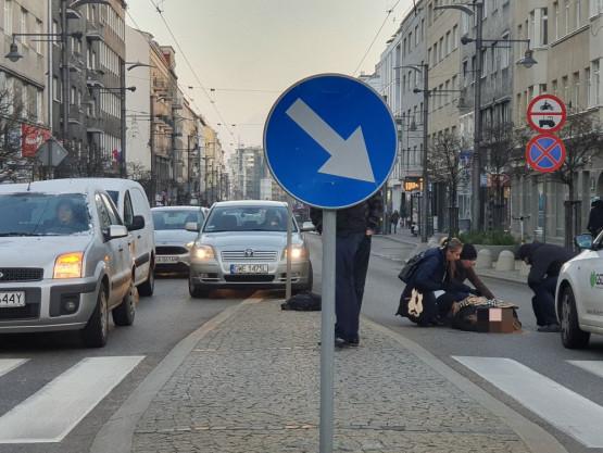 Potrącenie pieszej na Świętojańskiej w Gdyni