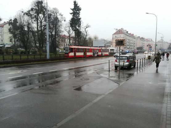 Awaria tramwaju przed przystankiem Ciasna