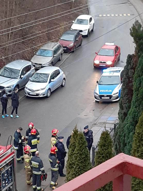 Pożar na ul. Migowskiej. Na miejscu jest już policja