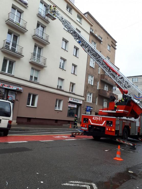Gdynia: Kilińskiego zablokowana przez strażaków