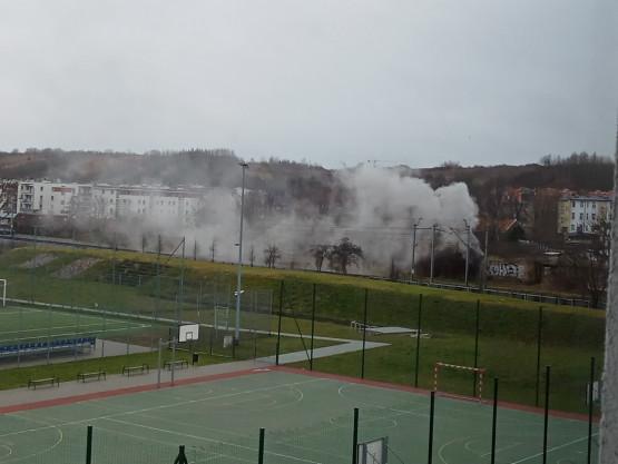 Kłęby dymu na Oruni