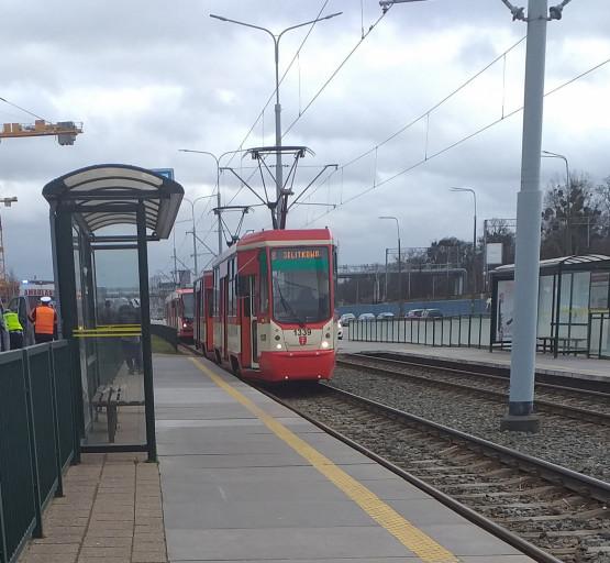 Mężczyzna wpadł pod tramwaj przy ul. Jana z Kolna