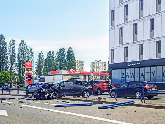 Wypadek na Kołobrzeskiej na wysokości  marketu OBI