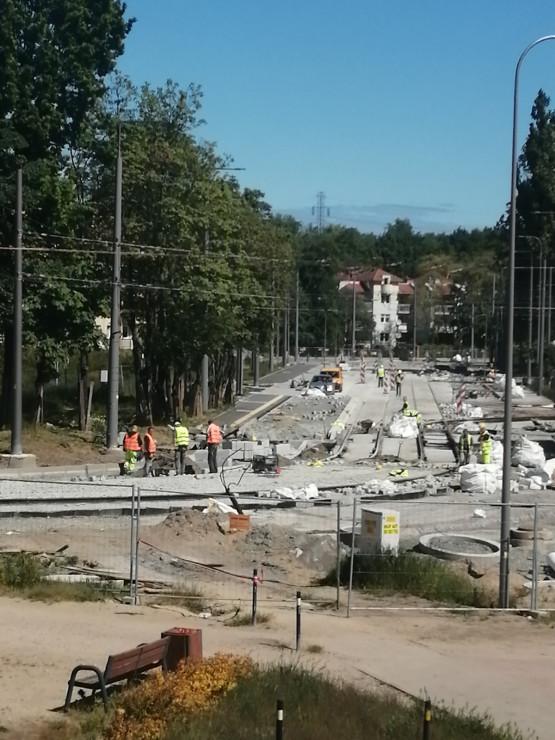Prace przy remoncie trasy tramwajowej na Stogach
