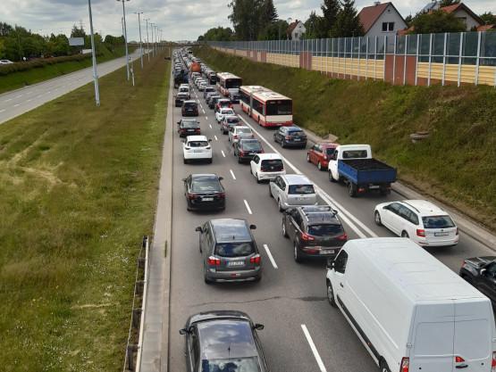 Armii Krajowej nadal zablokowana po wypadku