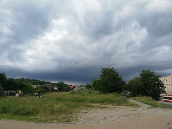 Deszczowe chmury nad Gdańskiem. Popada?