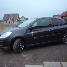 Clio III by Carzone