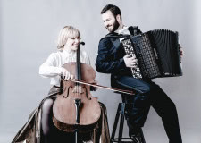 Foto 3. Duo Arcord - Ana Topalovic (wiolenczela) i Nikol Djorc (akordeon)
