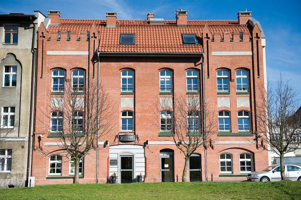 Budynek od strony Panieńskiej został zrekonstruowany i w całości sprzedany jednemu inwestorowi.