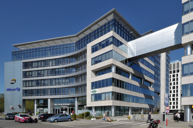 Dla uzyskania większej powierzchni najmu na jednej kondygnacji Olivia Point (drugi budynek kompleksu) połączona jest korytarzem z Olivią Gate.