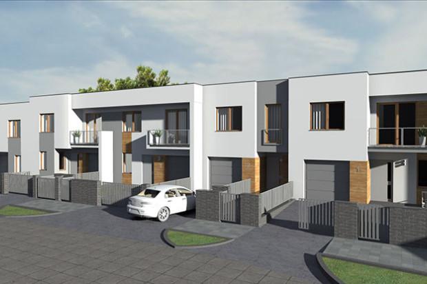 W każdym domu będzie znajdował się jednostanowiskowy garaż. Miejsce postojowe będzie także przed domem.