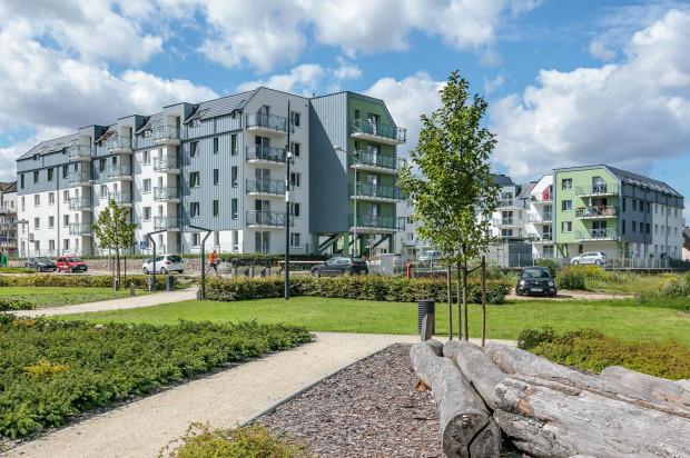 Osiedle tworzą dwa budynki położone tuz przy Parku Krainy Polodowcowej.