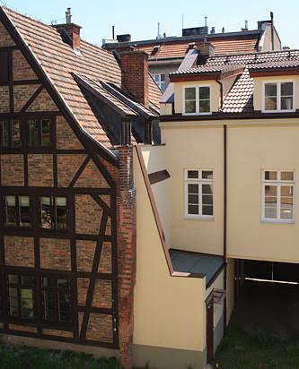 Połączenie budynków przy ulicy Grodzkiej od strony podwórza.