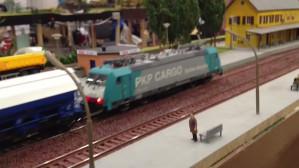 100-metrowa makieta stworzona przez miłośników kolei