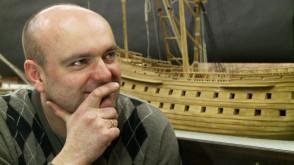 Buduje makietę XVII-wiecznej stoczni