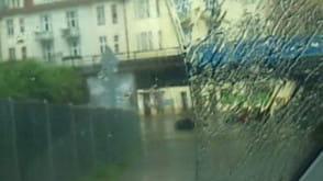 Zalane auta w tunelu w Sopocie