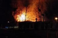 Pożar zabytkowego budynku przy szpitalu dziecięcym w Oliwie